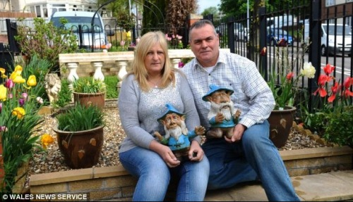 Treasured garden gnomes stolen!