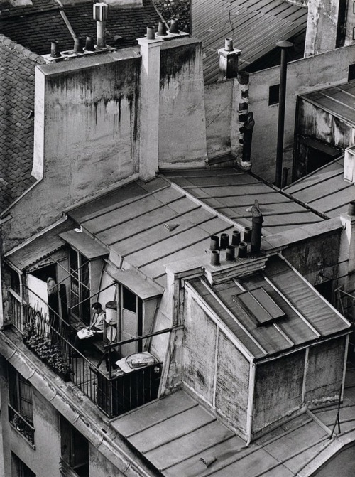 André Kertész Quartier Latin, Paris, 1926 From his book On Reading