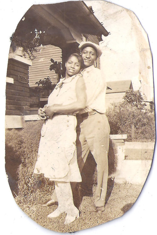 HAPPY COUPLE | 1940s