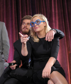 awesomepeoplehangingouttogether:  Andrew Garfield and Amy Poehler