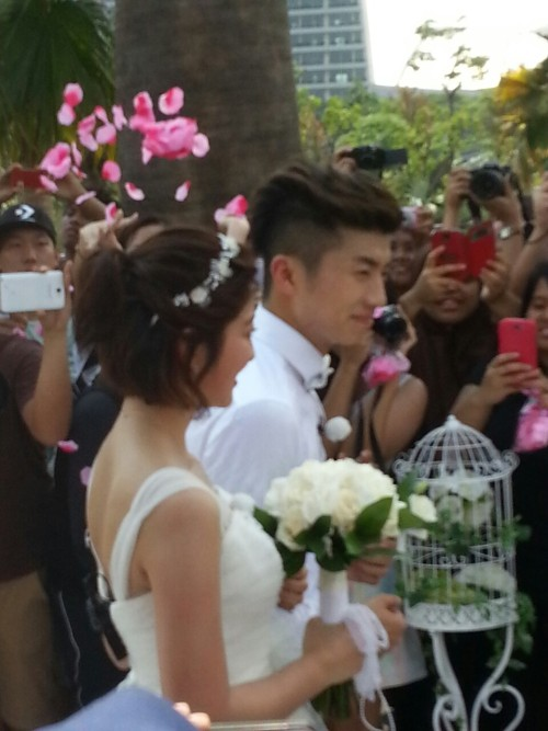 Wooyoung filming WGM in Singapore  Cr: me