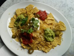 Nachos & very hot chillies….with @chrissypeekaboo. She's a sexy kurwa ;-) #mypicwhenever #merlotmadness