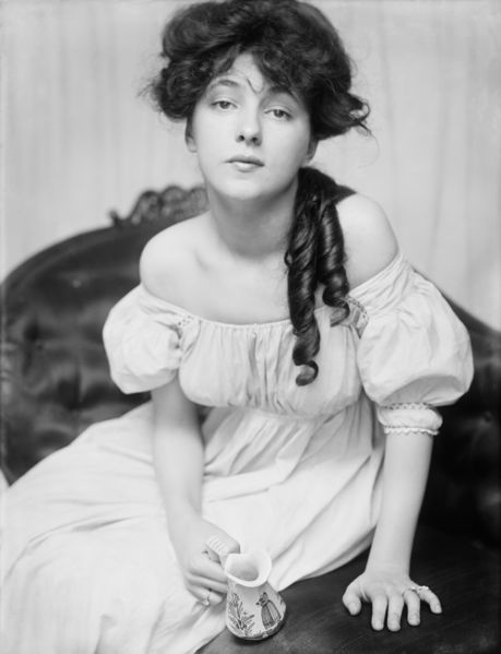 underneaththedress:  Evelyn Nesbit