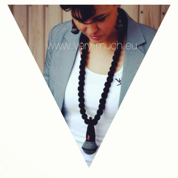 www.very-much.eu #mic #crochain #photoshoot #2013 #new #fashion #verymuch #hiphop #urban #retro #crocheted #knitted #schmuck #jewelry
