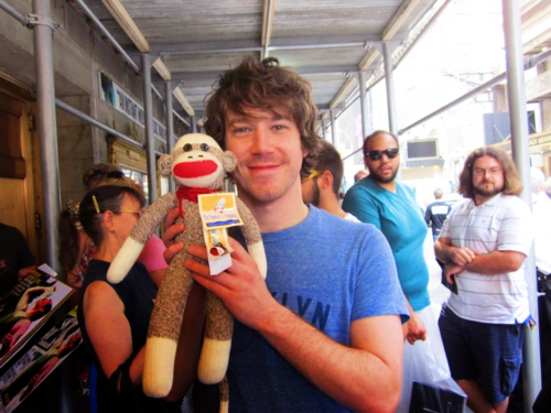 agentcooperlovescoffee:  John Gallagher Jr stresses me out.