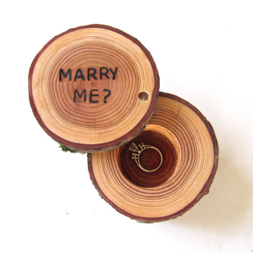 wantthatwedding:  (via Proposal Ring Box Marry Me Proposal Box by EndGrainWoodShoppe)
