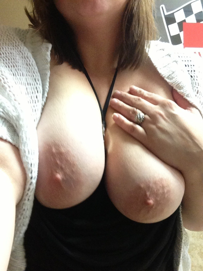 Wife flash at her office