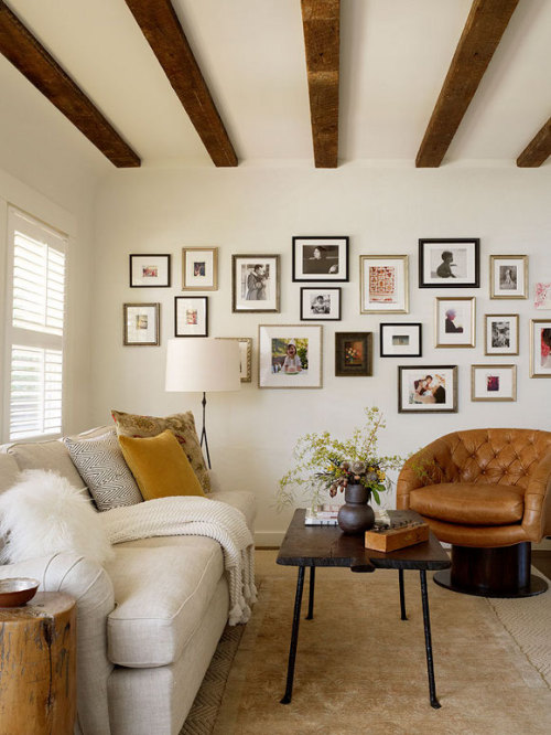 myidealhome:   woodbeams and small frames (via desire to inspire)
