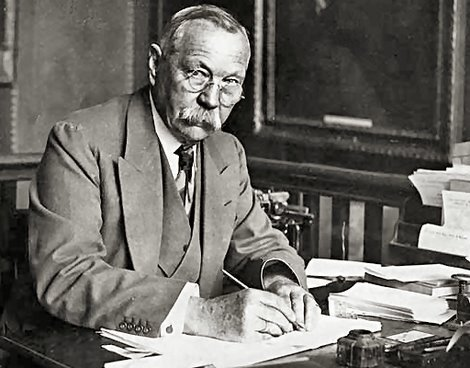 weeklylizard:  It's the birthday of Sir Arthur Conan Doyle, the creator of master sleuth Sherlock Holmes. He was born on May 22, 1859, in Edinburgh, Scotland.