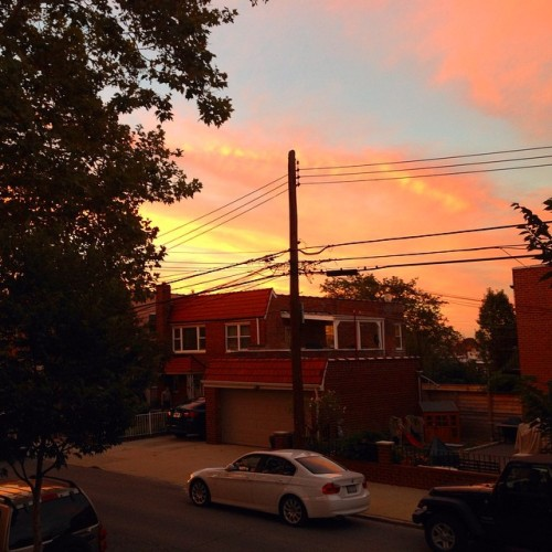Live from queens. #queens #nyc #nycphotography #photography #sunset #beautiful