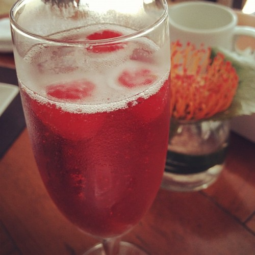 Raspberry in #rosé #champagne hehe own creation! #tweegram #photooftheday #instamood #iphonesia #summer #tbt #igers #picoftheday #instadaily #instagramhub #beautiful #girl #iphoneonly #instagood #bestoftheday #jj #sky #picstitch #follow #webstagram #nofilter  (at Rooftop Infinity Edge Pool)