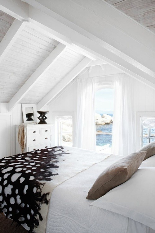 white beach bedroom (via pinterest)