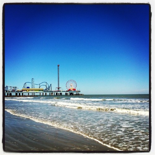 Sand and sun for the first time in ages! (at Galveston Island Historic Pleasure Pier)