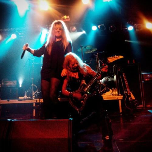 Concert de les #Vixen ahir a Razz2. Vaig entrevistar a aquestes dues cracks, la #JanetGardner (cantant) i la #GinaStile (guitarrista). #barcelona #concert #rock #MusicIsMyLife