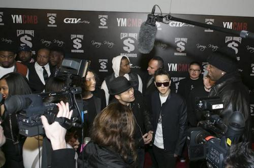 Korean American Hip-hop Group Inks Deal With Record Label of Lil Wayne, Nicki Minaj   Korean American hip-hop group Aziatix signed a deal with a major record label which is home to some of the genre's biggest stars, according to news reports.