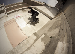 Dustin Henry, frontside wallride. Long Beach, CA