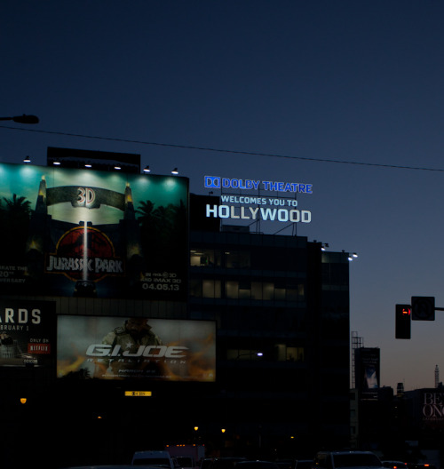 The Dolby Theatre sign is lit!