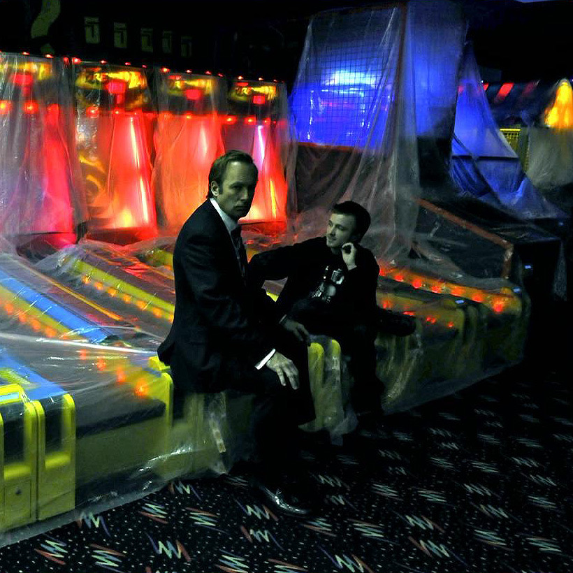 On set with Bob Odenkirk and Aaron Paul at the Lazer Tag facility during Season 3 filming. – From Vince Gilligan's Photo Gallery on Season 3 Blu-Ray (via Captacular)