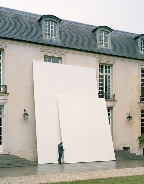 installator:  'Layers' light installation at the Swedish Institute, Paris, by Daniel Rybakken (dailytonic)