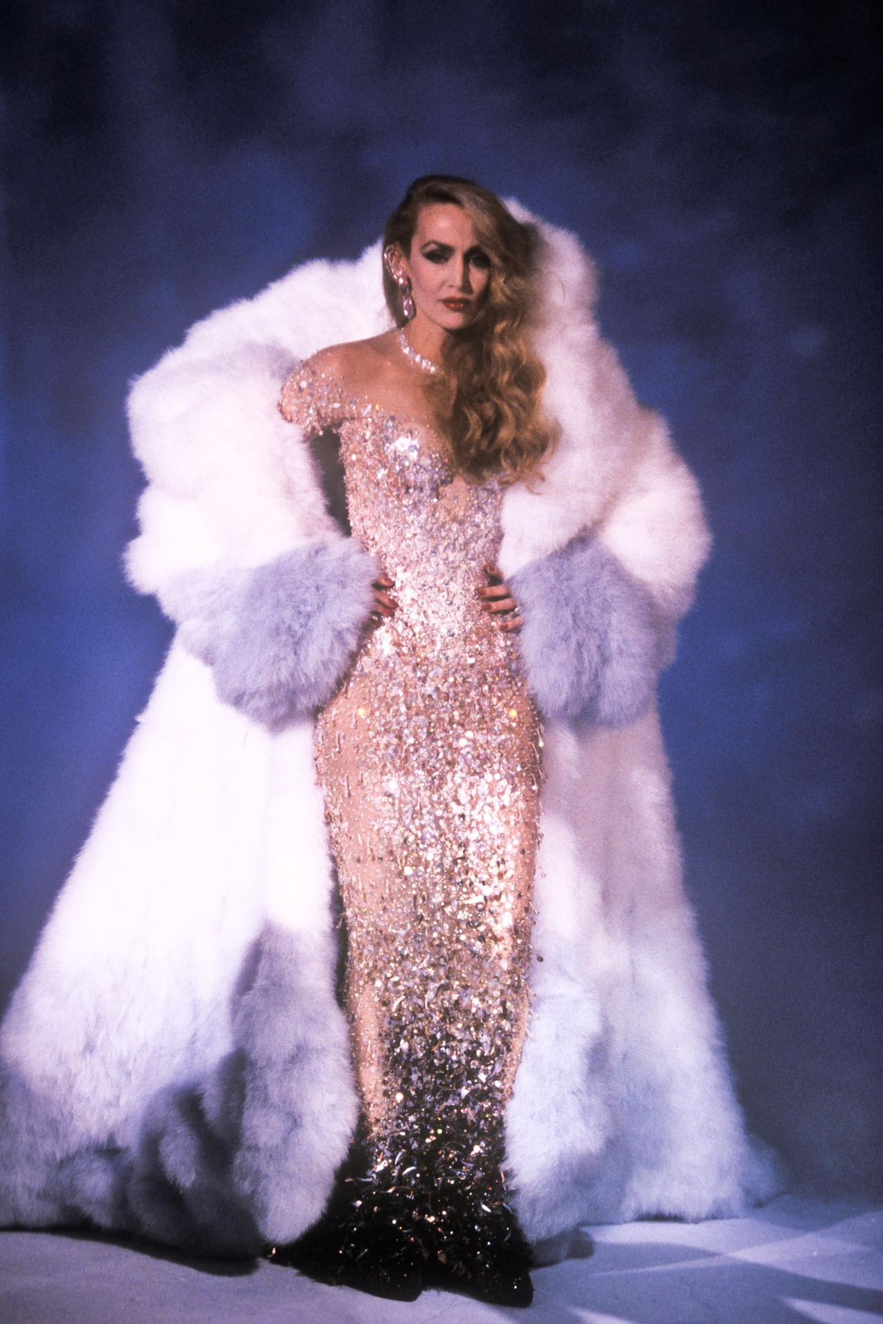 somethingvain:  thierry mugler haute couture f/w 1995 rtw, jerry hall in 'le cirque'