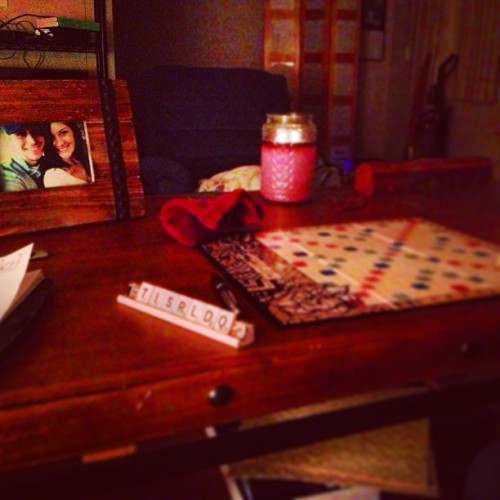 Ideal sunday with the l❤ve of my life @ashleylaurenj #scrabble #curb #vinyl