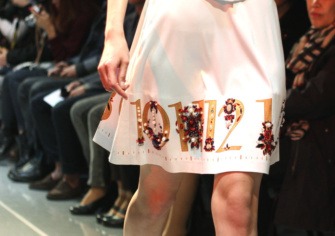 yohanix details detailing beading beaded skirt numbers runway trend report ss15 seoul fashion week korean style