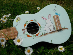 picolaine:  Nice Rabbit on the uke by Ukeattitude on Flickr. ¤