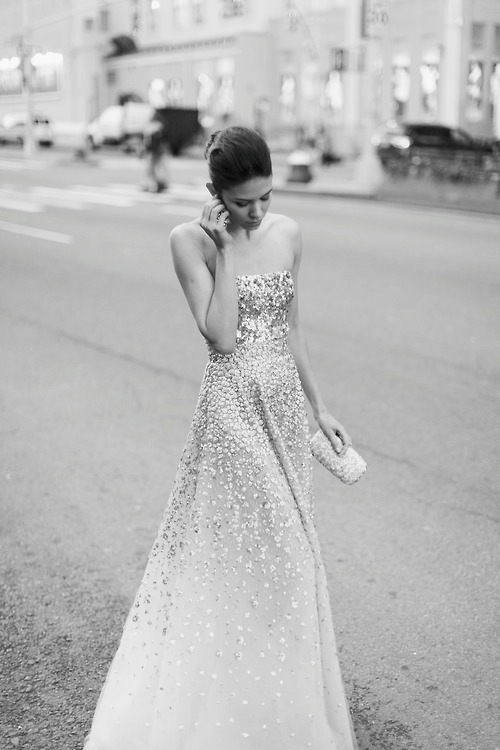 forthosewhocravefashion:  Golden Gown by Oscar de la Renta