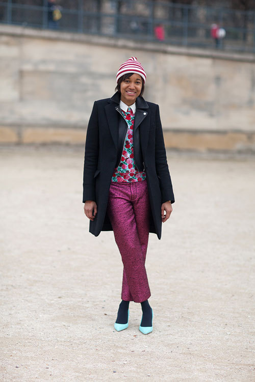 blackfashion:  Tamu McPherson lends her colorful look a dose of the unexpected with bright blue pumps.