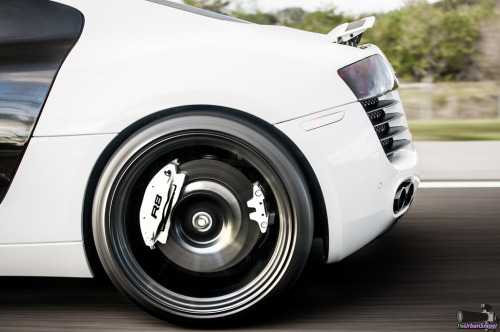 srbm:  crash—test:  R8 Rear Rim (by Joseph Knapp Photography)