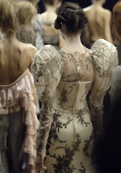 notordinaryfashion:   alexander mcqueen spring/summer   One of my fav photos