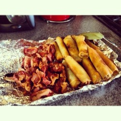 msmaeahnx3:  #Bacon and #lumpia but I can't taste anything cuz I'm sick! 😫😷 #foodie #foodporn #filipinofood #breakfast  (at Mi Casa)
