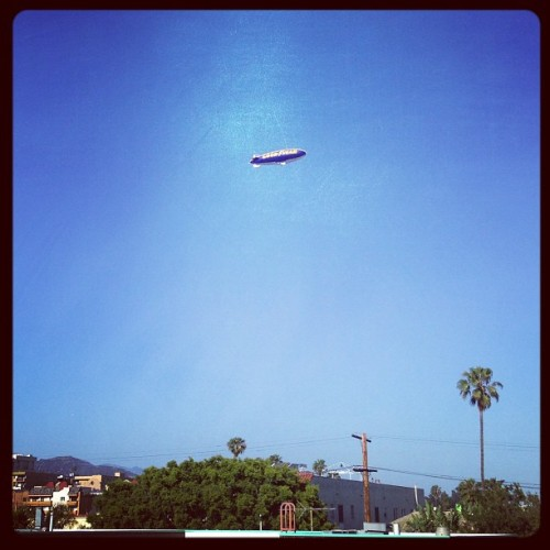 "Even saw the lights of the Goodyear blimp and it read, ""Ice Cube's a pimp"" http://bit.ly/10hCdwZ"