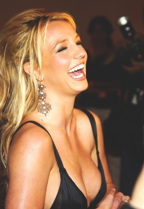 britneythepopprincess:  September 15, 2003 - Rolling Stone party