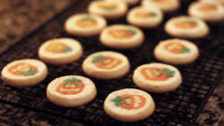 enchanting-autumn:  Halloween Cookies by rinnroo on Flickr.