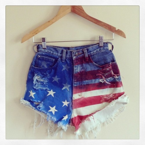 Grab this US flag shorts now. Visit fb.com/TMO.shop.  Size 24-25 highwaist