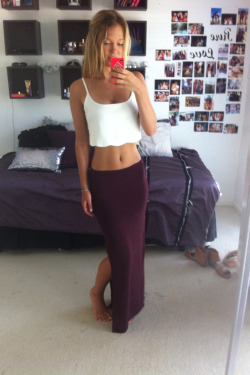 simpl-i:  st-orm:  essenaoneill:  I could wear this skirt everyday  st-orm.tumblr.com  TumbleOn)