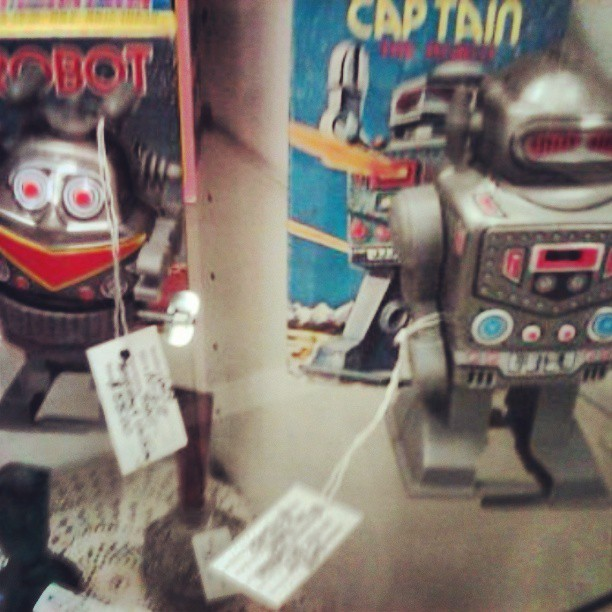 Some robot toys I saw in an antique mall a while back, for my bud @goredrobot. #toys #toy #robot #robots #antique #antiques #vintage #toypics #toystagram