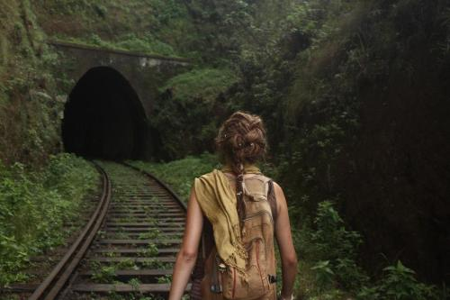 Its Kayleigh!! Walking the train tracks in Sri lanka <3 (https://www.facebook.com/kayleigh.r.carroll)