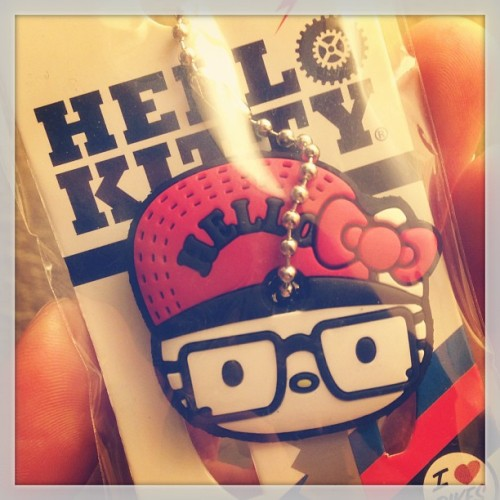 #hellokitty #key #cover from @killawho 😁👍 #hk #sanrio #glasses #hat #cute #accessory #gift