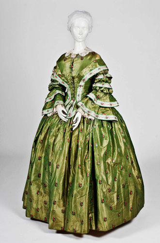 Day dress, 1855-60 From the Wadsworth Atheneum via the New York Times