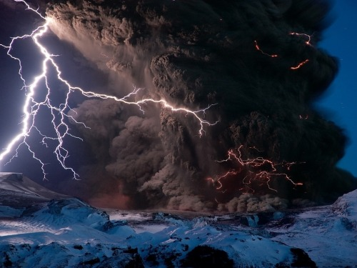 Volcaniclightning… God, It's really look like a fucking Azathoth <3