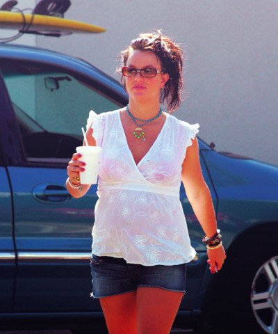 they-want-more:  606/1000 Candids of Godney