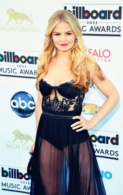 reginalovesemma:  swan—queen:  Jennifer Morrison at the 2013 Billboard Music Awards - May 19th.