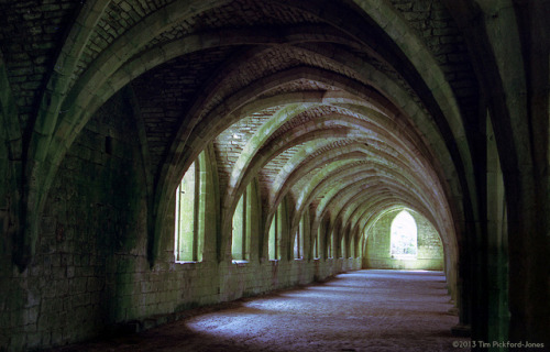 FAA08 Fountains Abbey - The Cellarium by HairyHippy on Flickr.