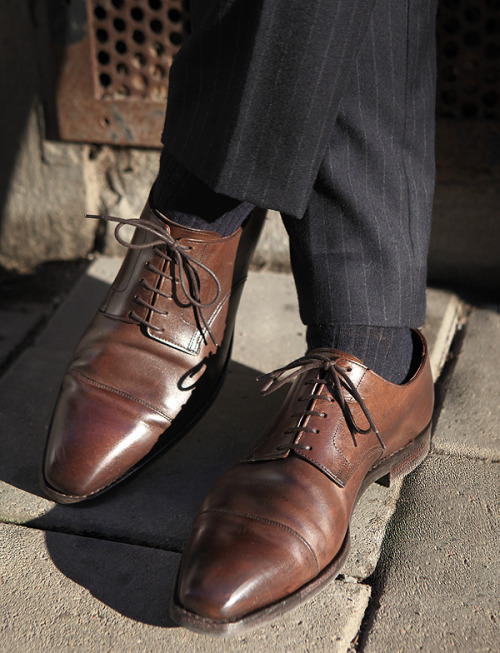 modernglory:  downeastandout:  Well-worn C&J bluchers  Well worn socks with pinstripes