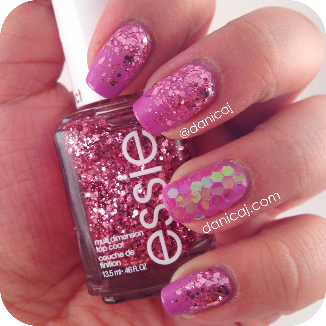 Glitter gradient and glitter placement!   Polishes Used: Sally Hansen - Lively Lilac Essie - A Cut Above