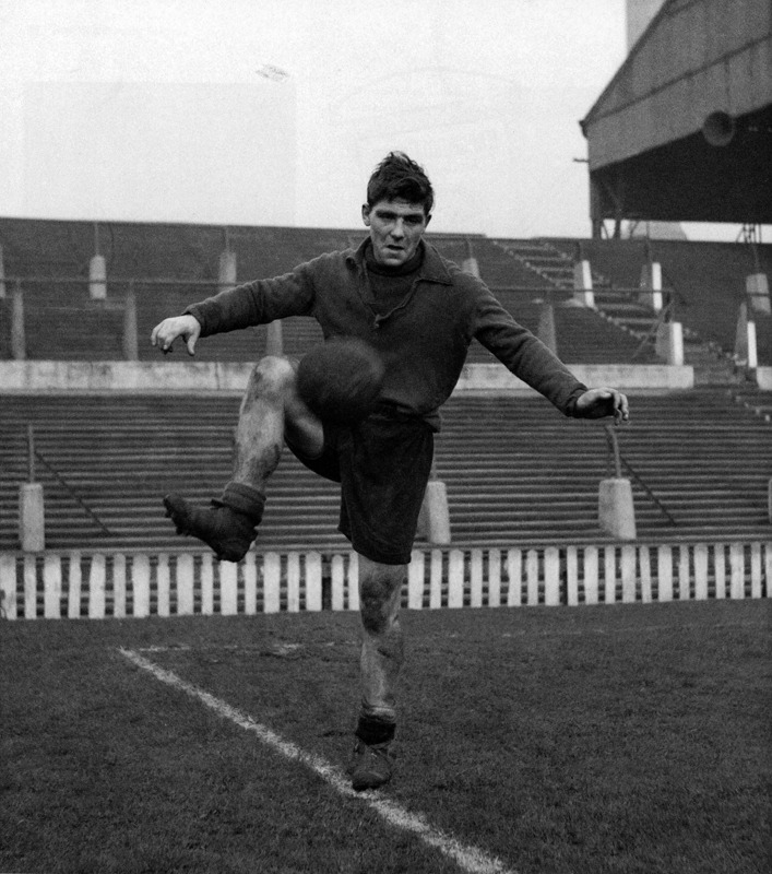 Duncan Edwards during training at Old Trafford, January 1954.Source: Aftenbladet
