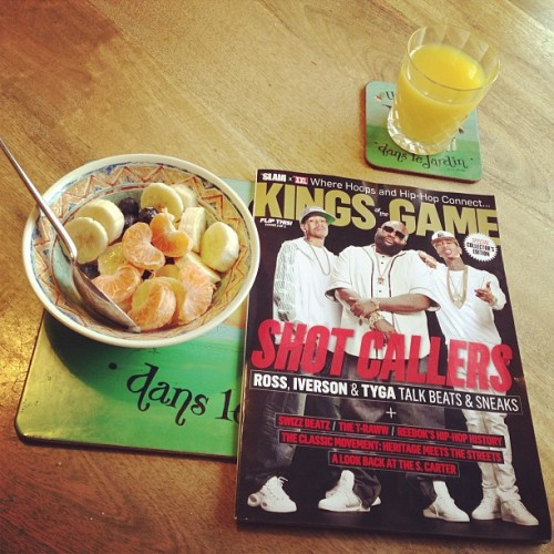 Bit of late morning fruit and this RAD collectors edition #slam x #xxl #kingsofthegam magazine!! #hiphop