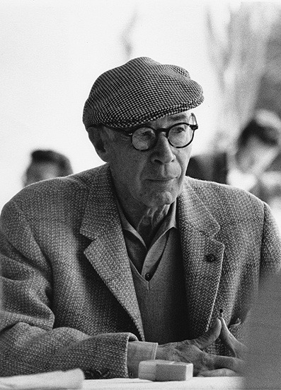 screamsinblackandwhite:  Henry Miller, 1962  By Marc Riboud
